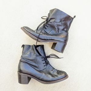 Chaussure Lapin Lace Up Leather Block Heel Boots